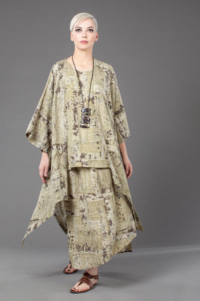 Shown w/ Long Kimono Jacket and Diagonal Skirt