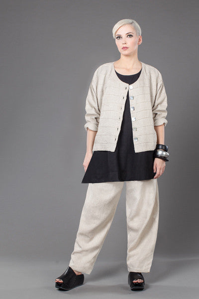 Shown w/ Everyday Pant and Quadra Crop Jacket