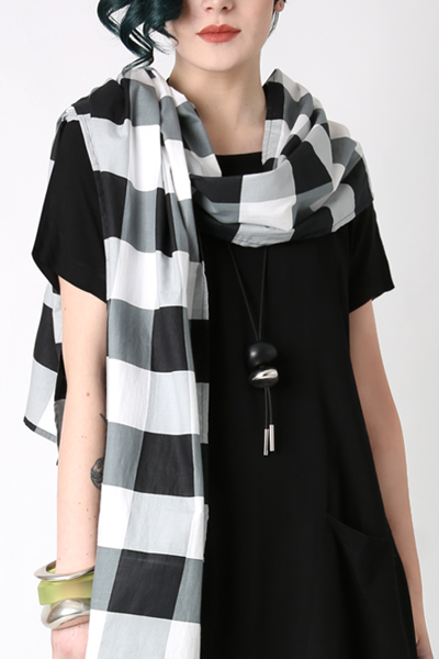 Carnaby Scarf in Nove Carnaby