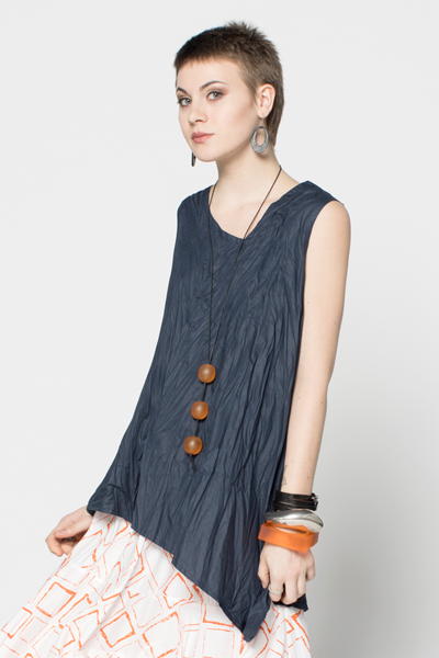 Kura Top in Navy Carnaby