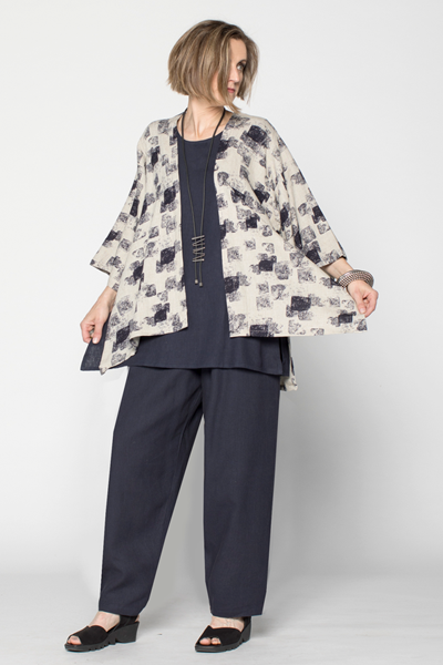 Shown w/ Short Kimono Jacket and Everyday Pant