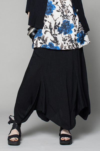 Tulip Skirt in Black Papyrus