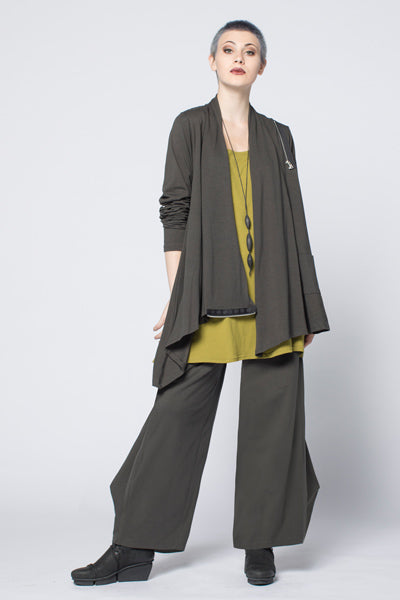 Shown w/ Side Zip Jacket and Cascade Pant