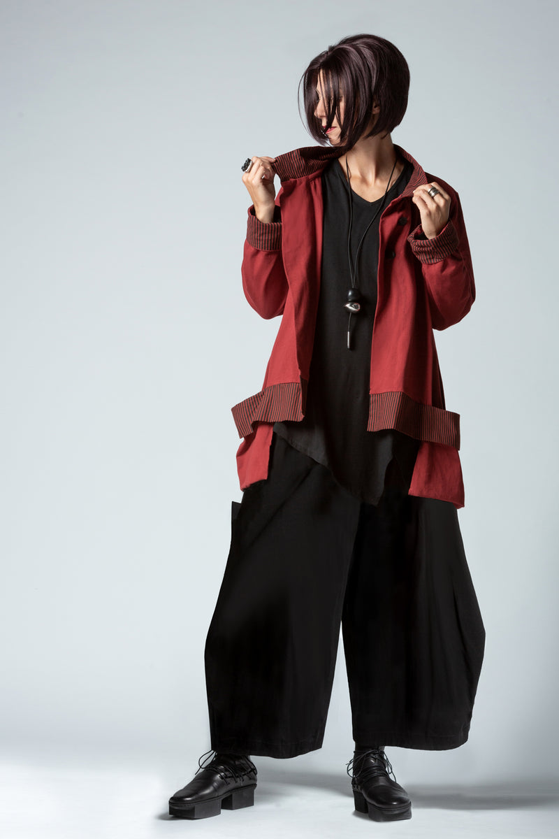 Shown w/ Albany Pant and Pockets Jacket