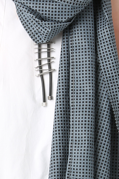 Carnaby Scarf in Uno Carnaby