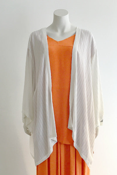 Short Kimono Jacket in White Fellini Crinkle