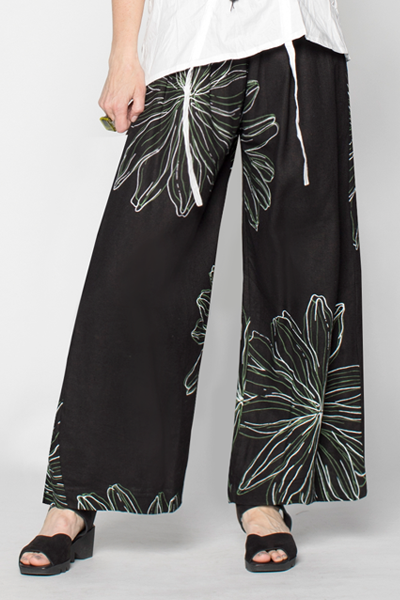 Button Palazzo Pant in Black Chrysanthemum Roma