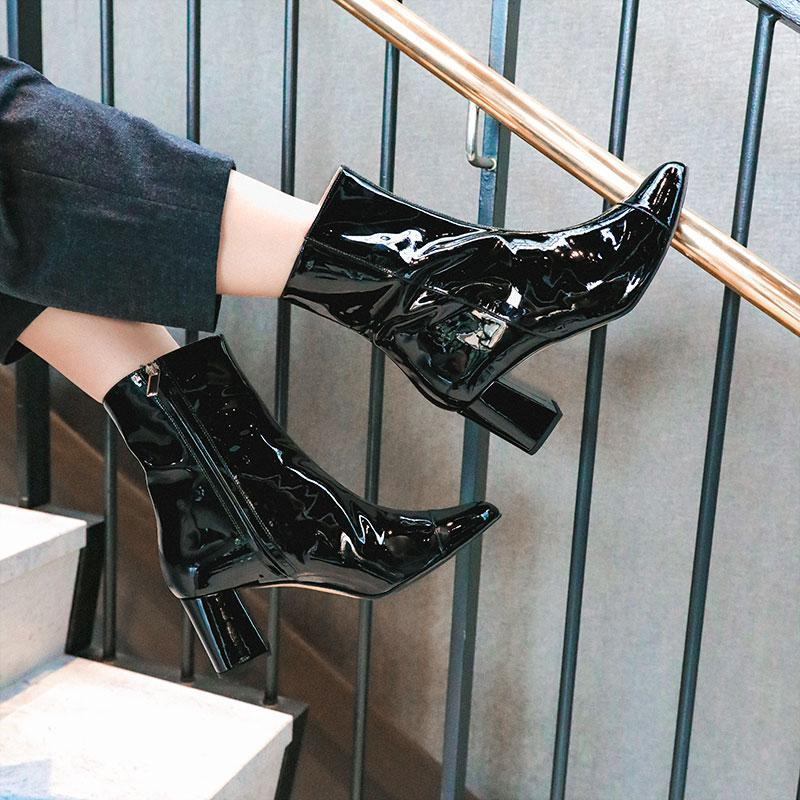 audrey-black-shiny-patent-leather-boot-roccamore
