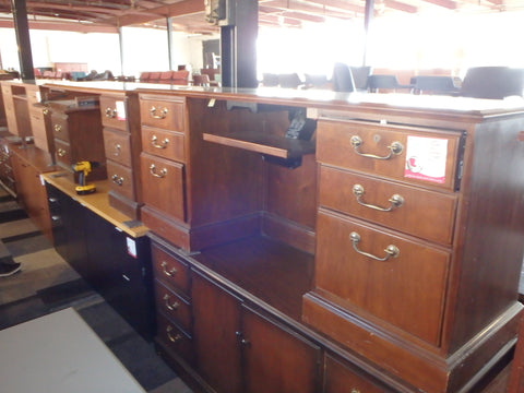 TRADITIONAL CREDENZA DESK