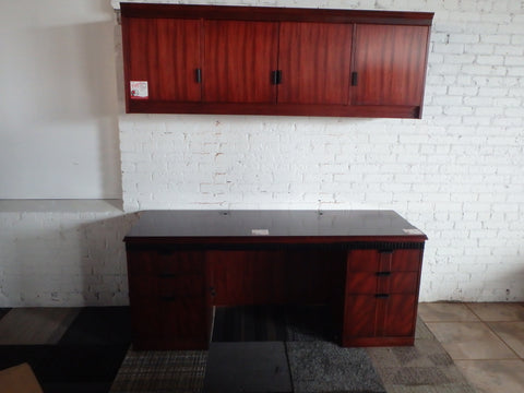 TRADITIONAL SMALL DESK