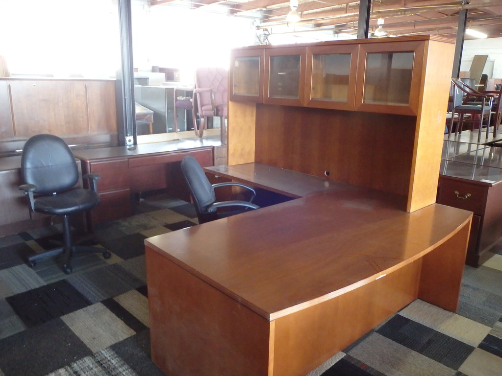 L-SHAPE DESK WITH HUTCH