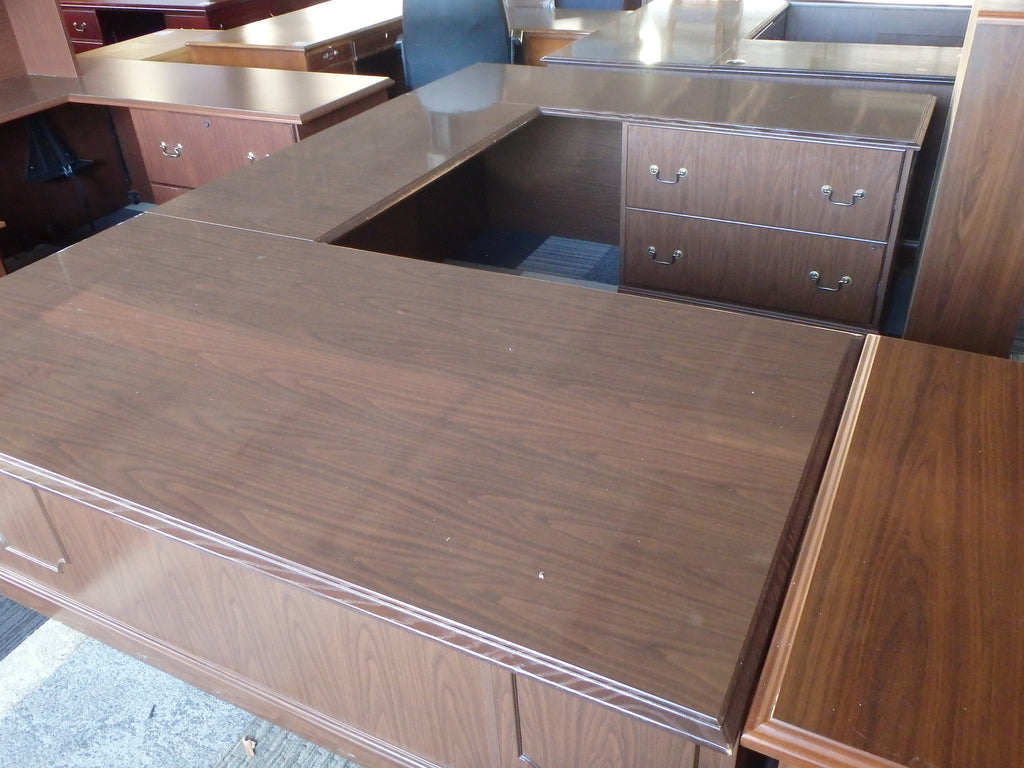 TRADITIONAL U-SHAPE WORK STATION DESK