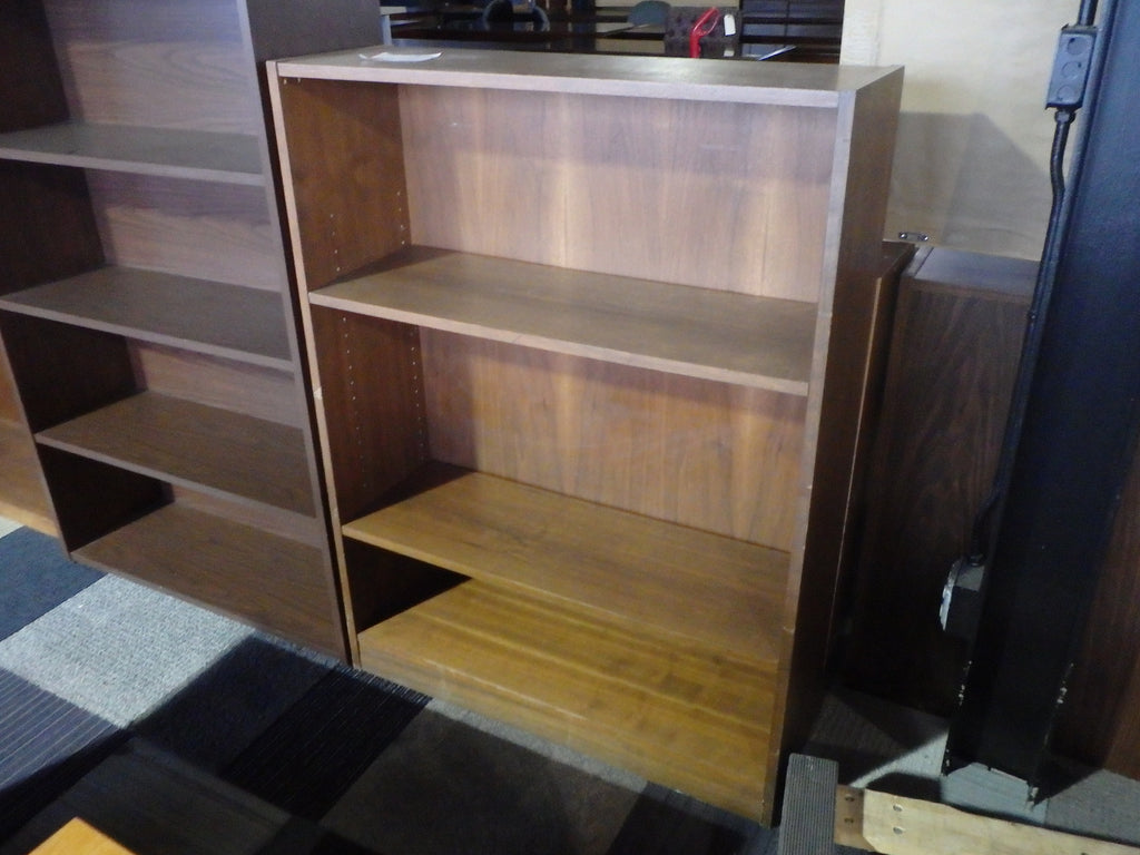USED 4 FT BOOKCASE