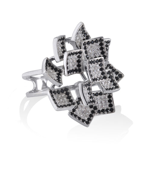 Black-edge Honeycomb Ring
