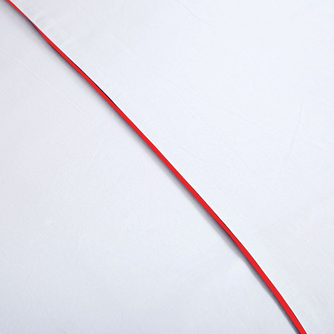 AURAVE Cotton 210 TC Plain Bedsheet (White & Red)