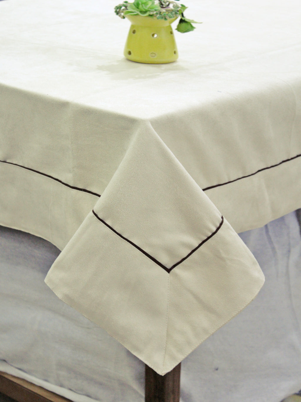 AURAVE Suede Microfibre Solid Plain Polyester Table Cloth - CREAM