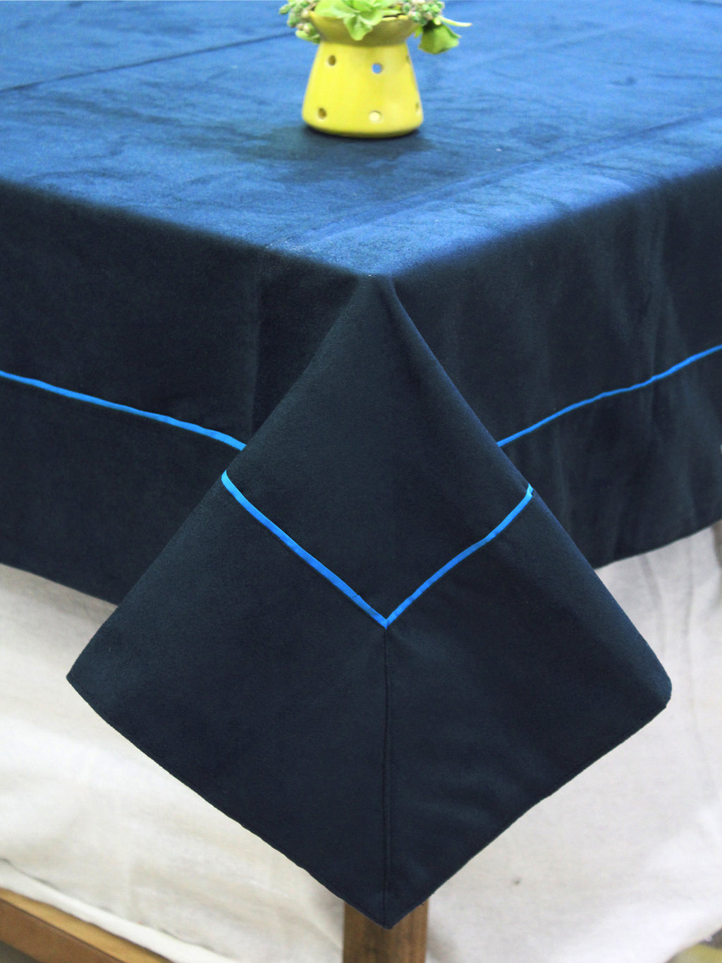 AURAVE Suede Microfibre Solid Plain Polyester Table Cloth - NAVY BLUE