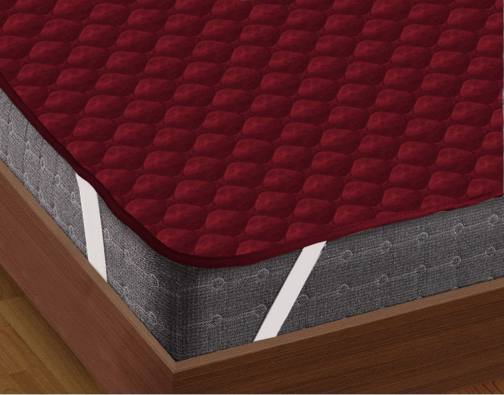 AURAVE Elasticated Quilted Waterproof Mattress Protector (Maroon)