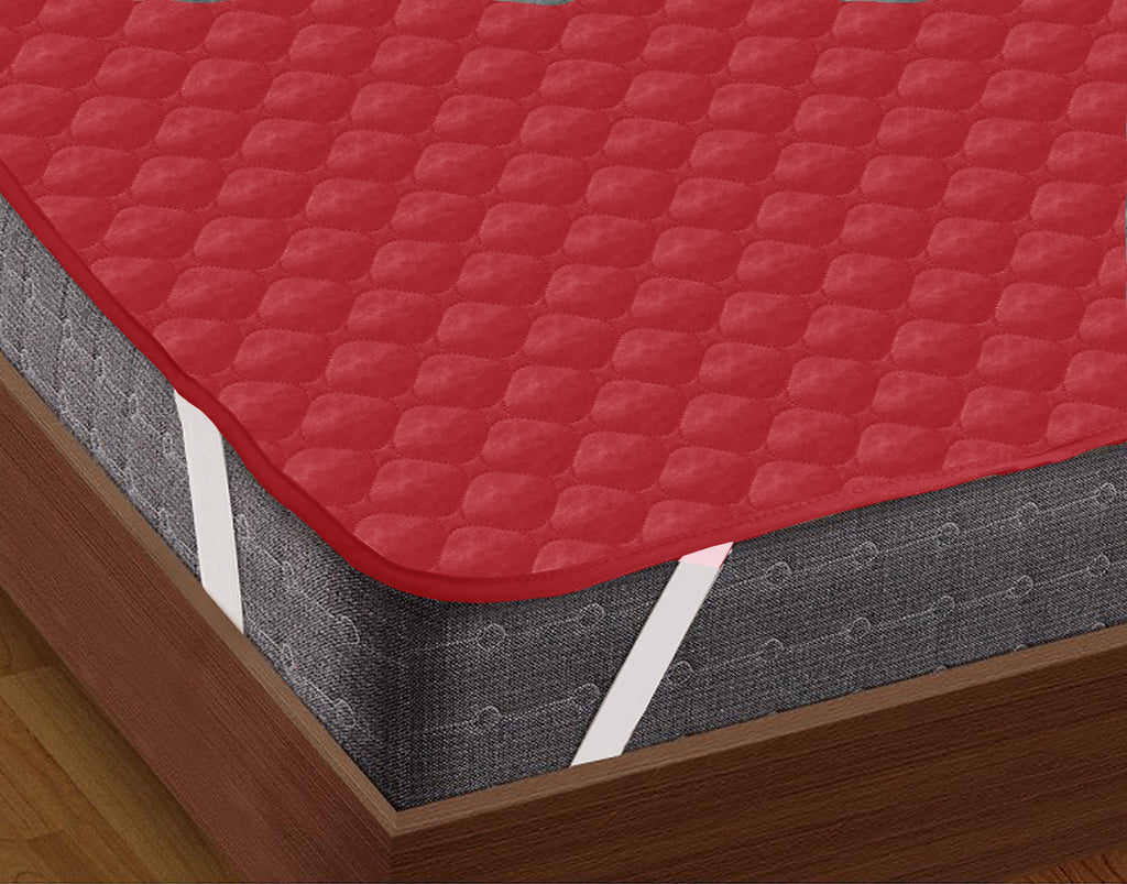 AURAVE Elasticated Quilted Waterproof Mattress Protector (Red)