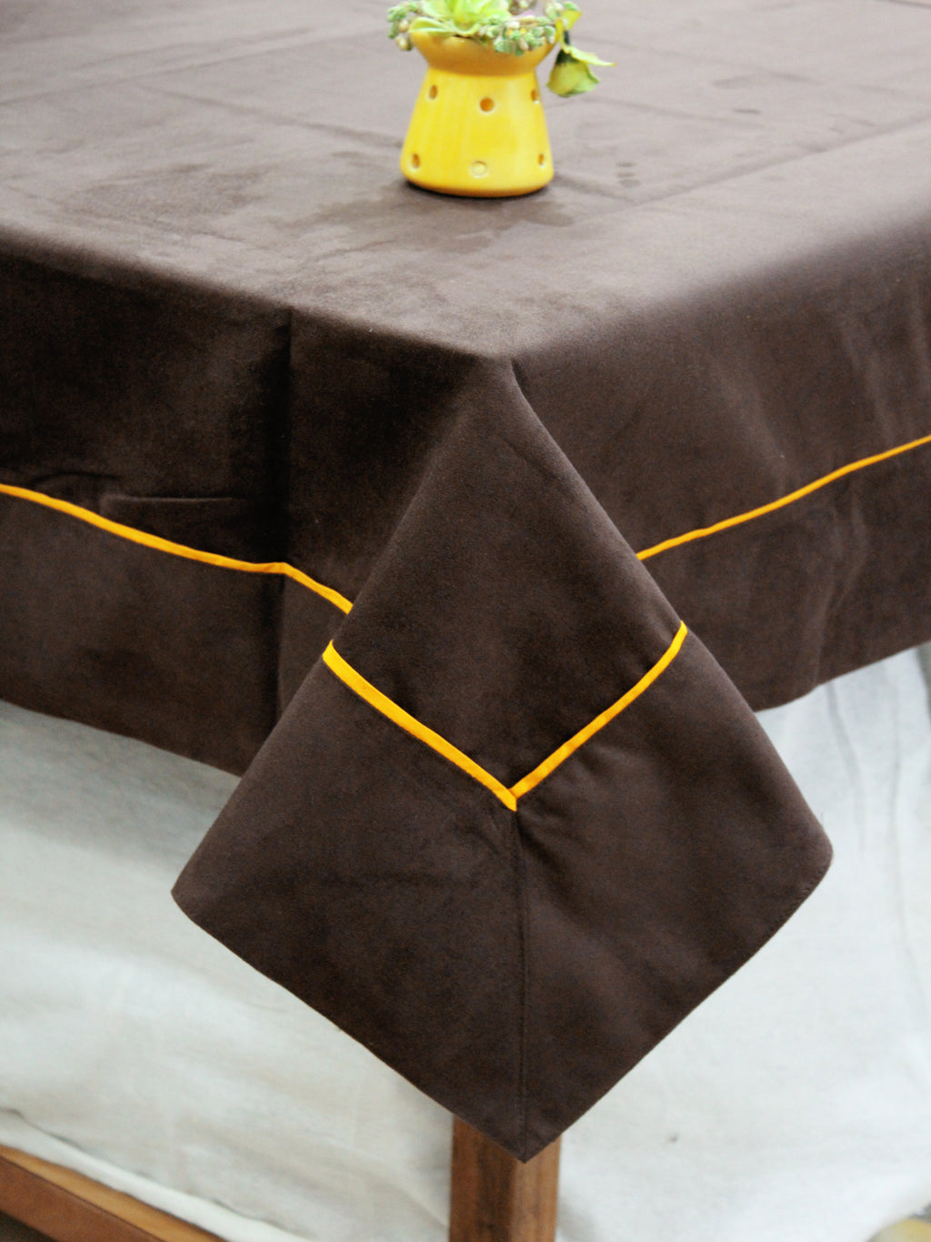 AURAVE Suede Microfibre Solid Plain Polyester Table Cloth - CHOCOLATE BROWN