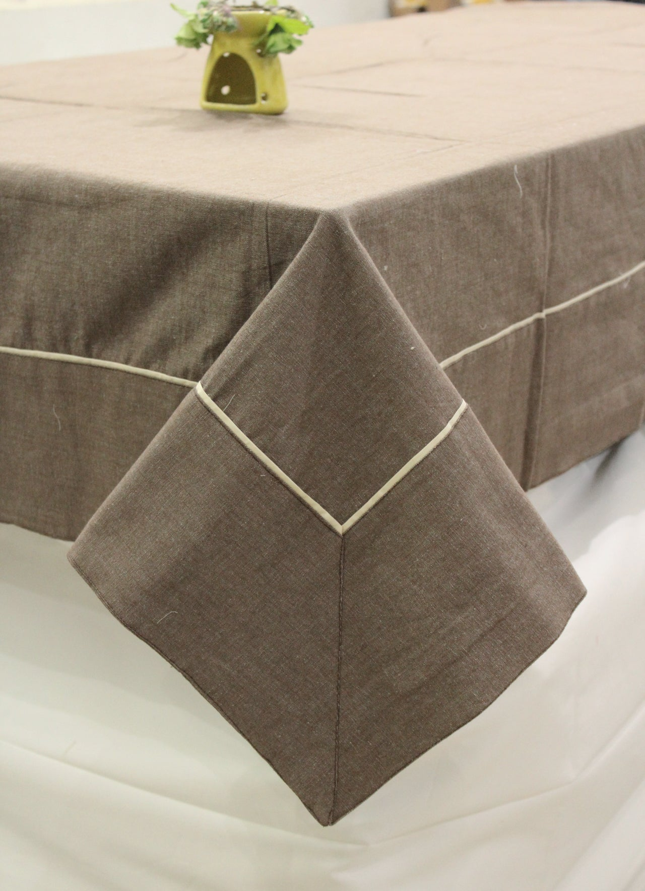 Woven Cotton 200 TC Plain Table Cover (Coffee)