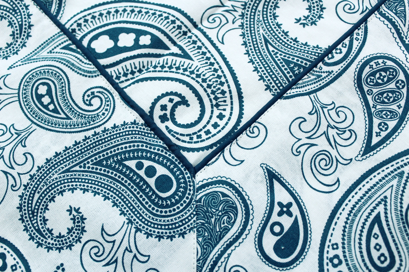 "AURAVE Cotton 60""x90"" Paisely Table Cover (Peacock Blue)"