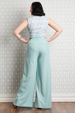 Laden Sie das Bild in den Galerie-Viewer, Mare Floral Jumpsuit