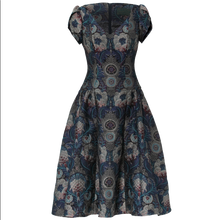Laden Sie das Bild in den Galerie-Viewer, Wintergarden Dress brocade royal
