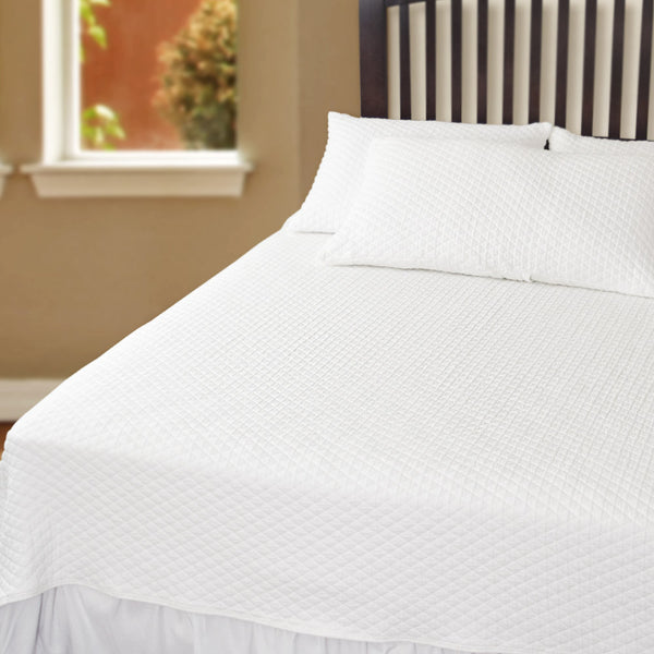 Bates Diamond Coverlet