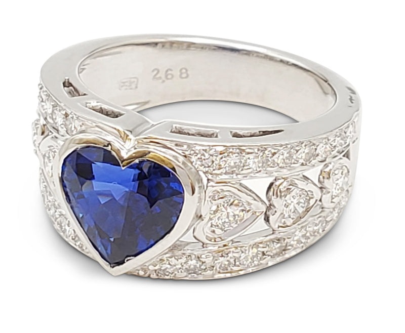 Harry Winston Platinum Sapphire and Diamond Ring
