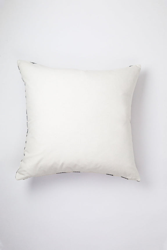 Made to order: Almolonga Diamond Pillow - Black & Natural White