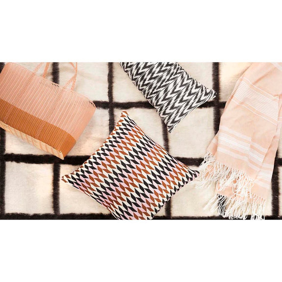 Backordered: Momos Grid Blanket-Rug - Natural White & Black