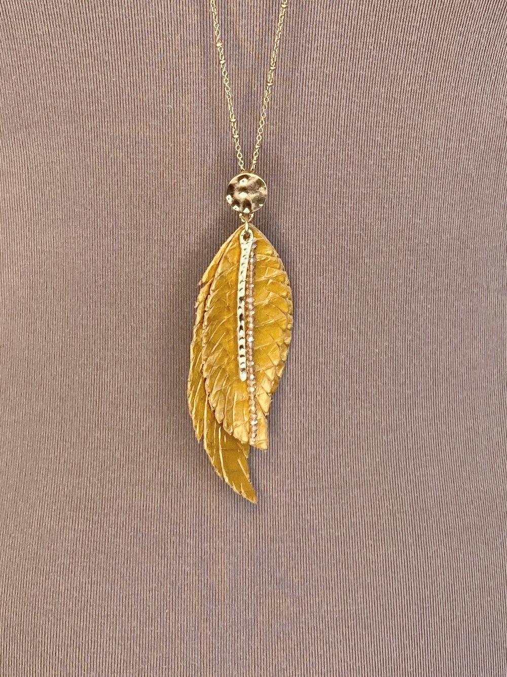 NECKLACE - Lightweight Golden Leaf