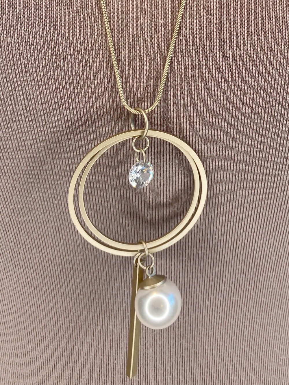 NECKLACE - Gold Pearl Charm