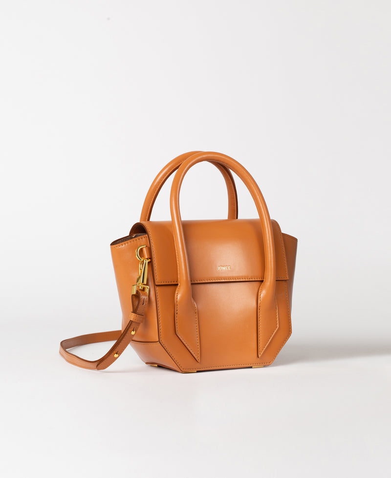 "GÍA Crossbody Bag - ""Smooth Brown"" - JÚNEE"