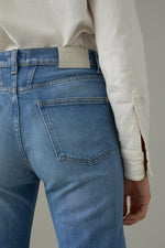Laden Sie das Bild in den Galerie-Viewer, Renton Organic Blue Stretch Denim