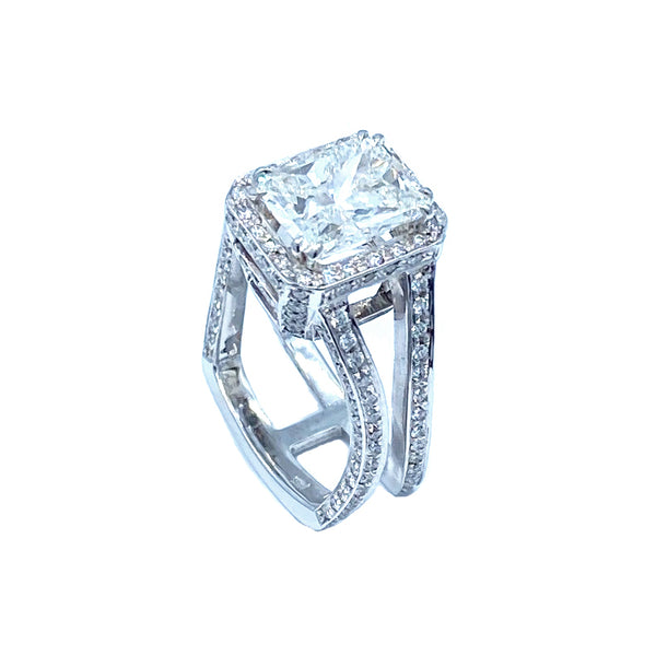 Hugo Signature Collection Original White Gold 5.5 ct. Radiant Diamond Ring