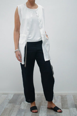 Adjustable tie vest
