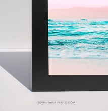 Load image into Gallery viewer, A corner of a black frame