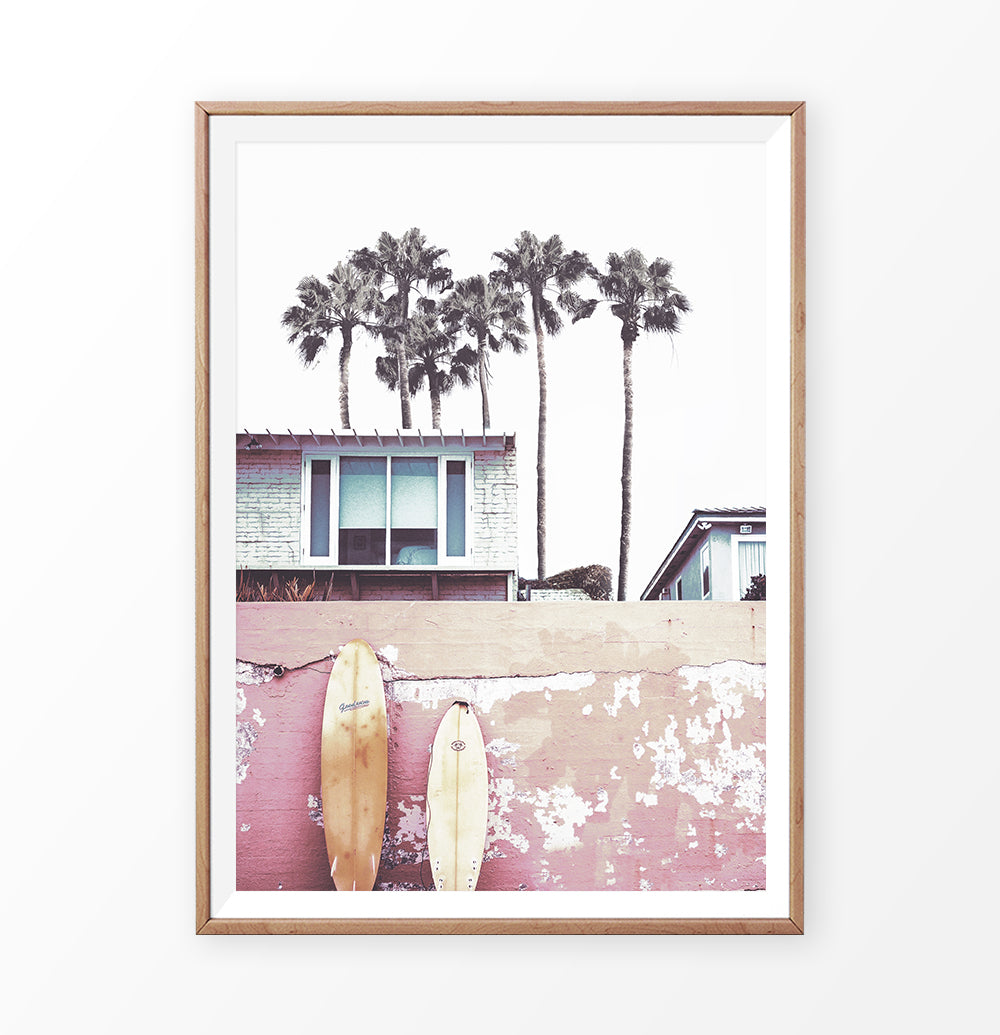 Surfer Beach House with Boards