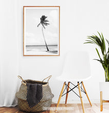 Load image into Gallery viewer, Black And White Palm Wall Art
