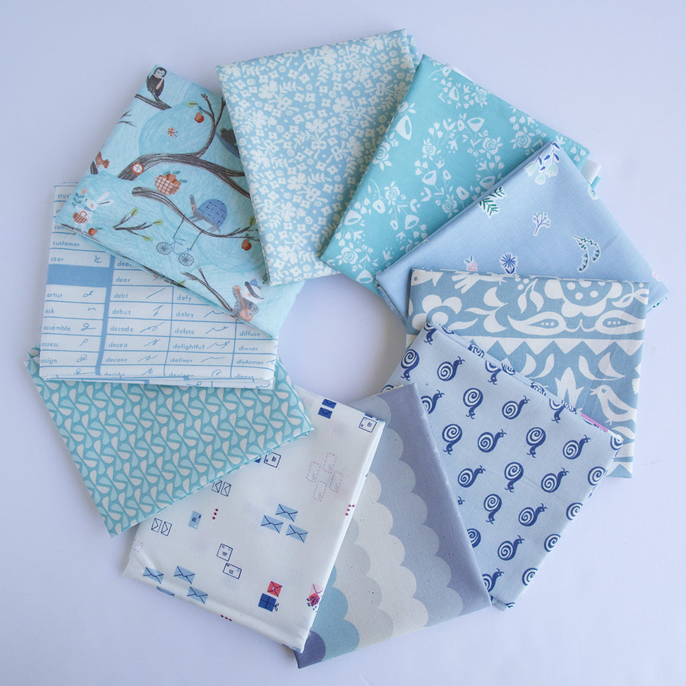 Load image into Gallery viewer, Light Blue - Fat Quarter Bundle