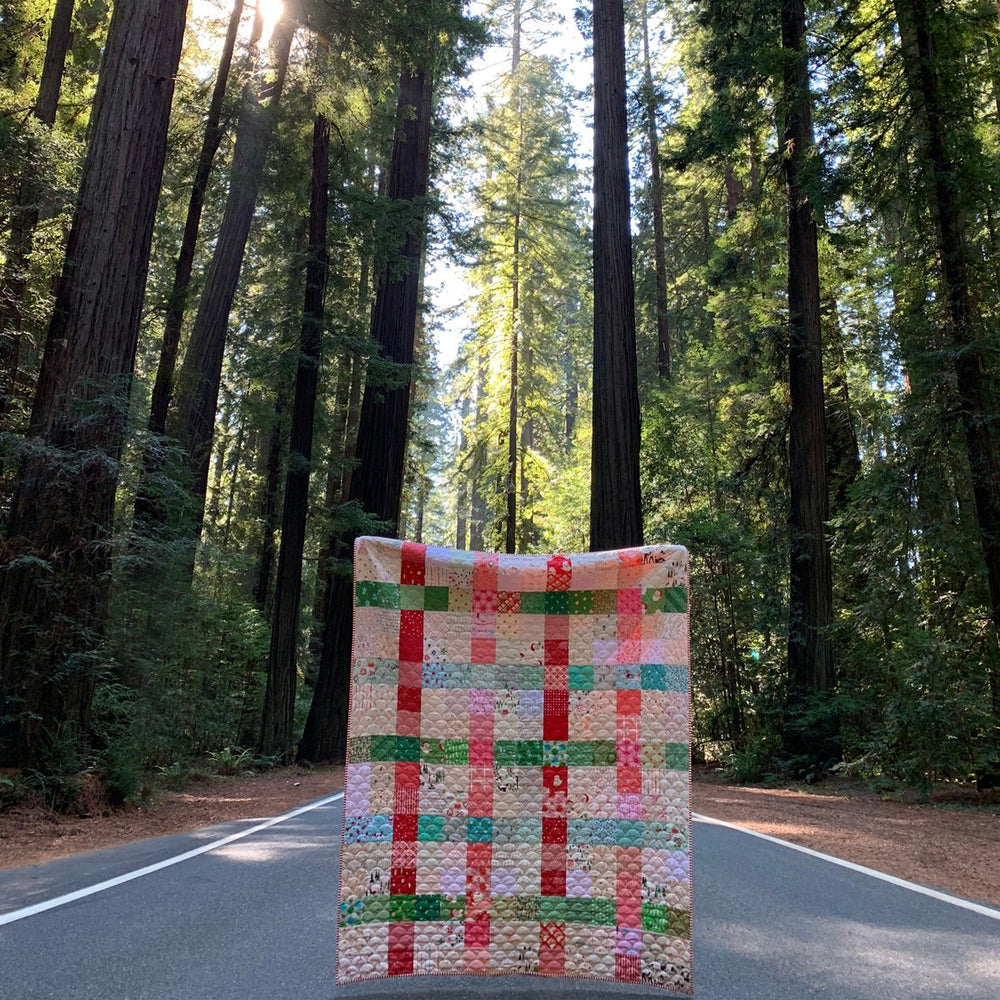 Load image into Gallery viewer, Patchwork Plaid Christmas Quilt Kit