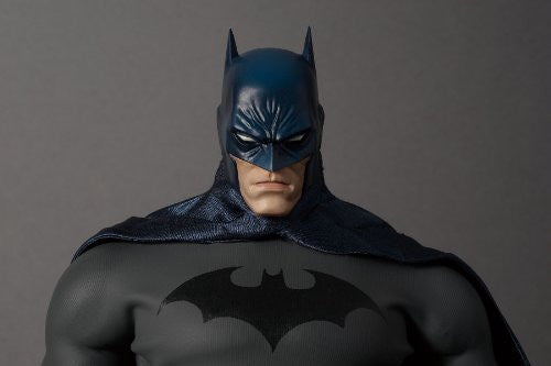 Image 5 for Batman - Real Action Heroes #592 - 1/6 - Batman Hush Version (Medicom Toy)