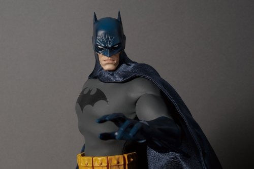 Image 4 for Batman - Real Action Heroes #592 - 1/6 - Batman Hush Version (Medicom Toy)