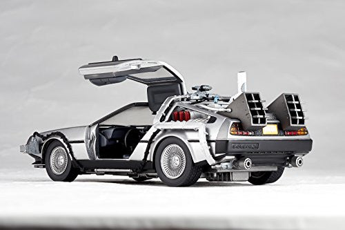 Image 10 for Back to the Future Part II - DeLorean Time Machine - Figure Complex Movie Revo No.001 - Revoltech (Kaiyodo)