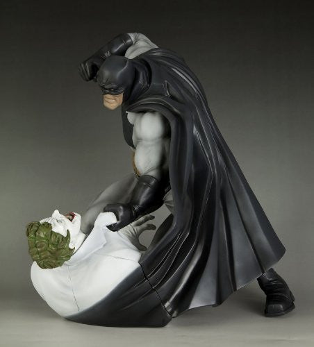 Image 6 for Batman: The Dark Knight Returns - Batman - Joker - ARTFX Statue - 1/6 - Hunt the Dark Knight (Kotobukiya)