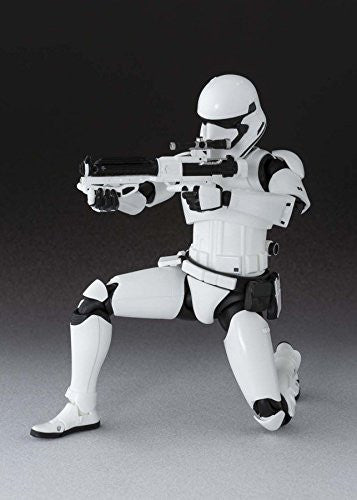 Image 4 for Star Wars - Star Wars: The Force Awakens - First Order Stormtrooper - S.H.Figuarts (Bandai)