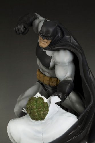 Image 3 for Batman: The Dark Knight Returns - Batman - Joker - ARTFX Statue - 1/6 - Hunt the Dark Knight (Kotobukiya)