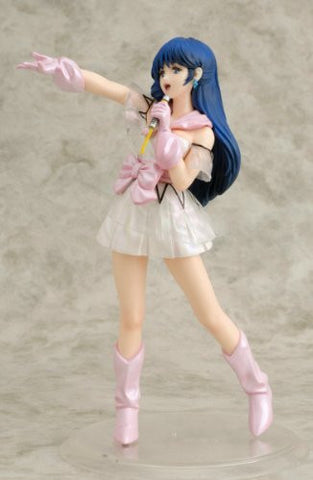 Image for Macross - Lynn Minmay - Gutto-Kuru Figure Collection - 1/8 - 08 (CM's Corporation Big West Frontier)
